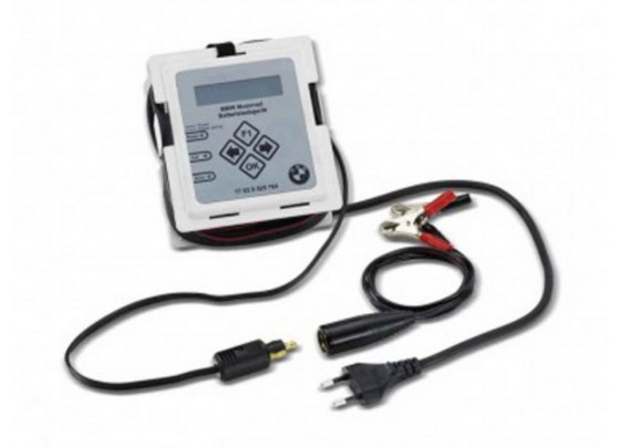 BMW battery charger for motorcycles even with CAN bus electronic